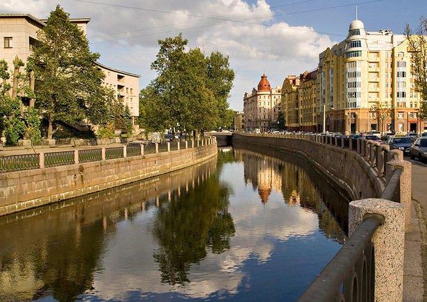 В Петербурге на месяц закроют реки и каналы
